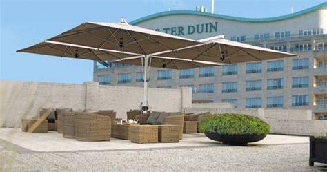 ombrelloni da terrazzo prezzi ombrellone da giardino accessori da esterno