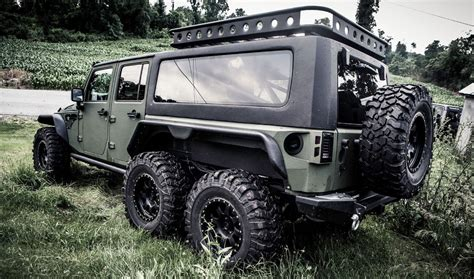 In A Jeep Firm Reveals 6x6 Jeep Wrangler The Tomahawk