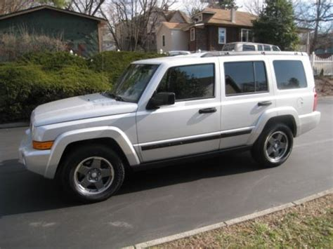 Jeep Commander Third Row Seat Buy Used 2006 Jeep Commander 3 7l V6 4x4 3rd Row Seats One