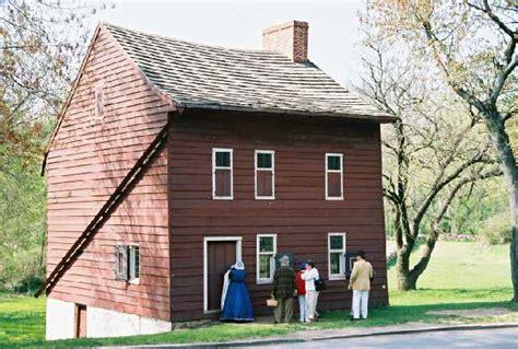 artcom museums tour historic richmond town staten island historical socie