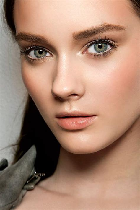hello any suggestions for a very pale sophisticated pink le maquillage simple en photos archzine fr