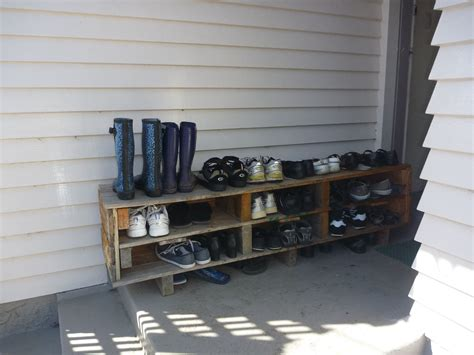 pallet shoe storage shoe storage made from a pallet great ideas