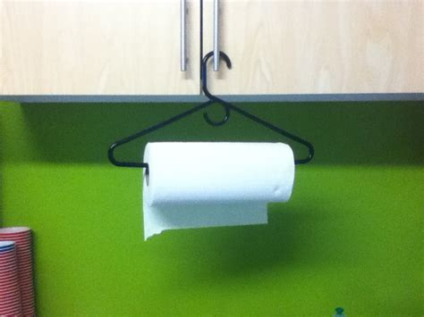 Make A Paper Towel Holder - top 10 essential lifehacks for college students