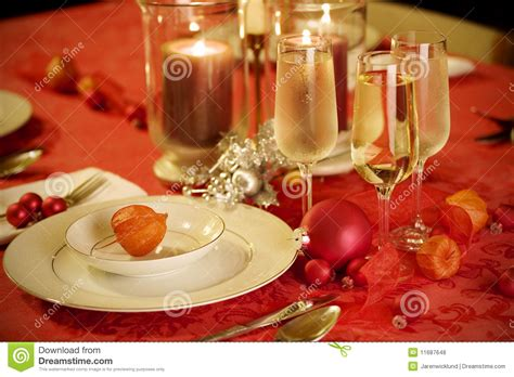 elegant christmas table setting with pink and gold elegant christmas table setting in red and gold royalty