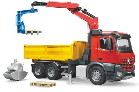 bruder toys mercedes reviews bruder 03651 mb arocs construction truck with