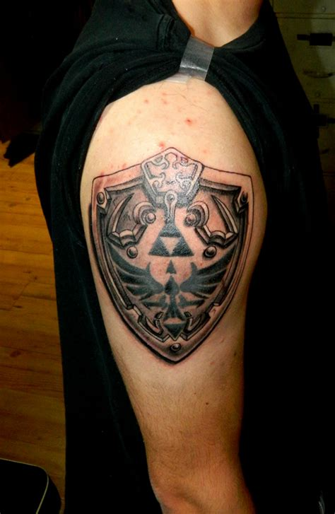sheild tattoo hylian shield by sirius on deviantart
