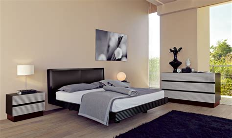Black And Silver Bedroom Ideas by Bedroom Decorating Ideas With Black Grey And Silver Room Decorating Ideas Home Decorating Ideas