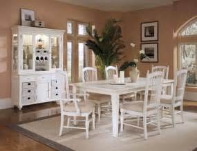 White Dining Room Furniture Sets This White Dining Room Set With The Hutch Esp The Storage In The Hutch And The Spindle