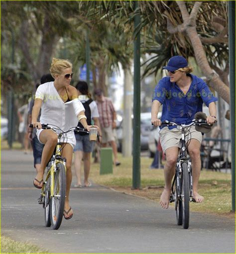 Owen Wilson Bikes To Clubs by Owen Wilson Barefoot Biking Photo 2416854 Kate