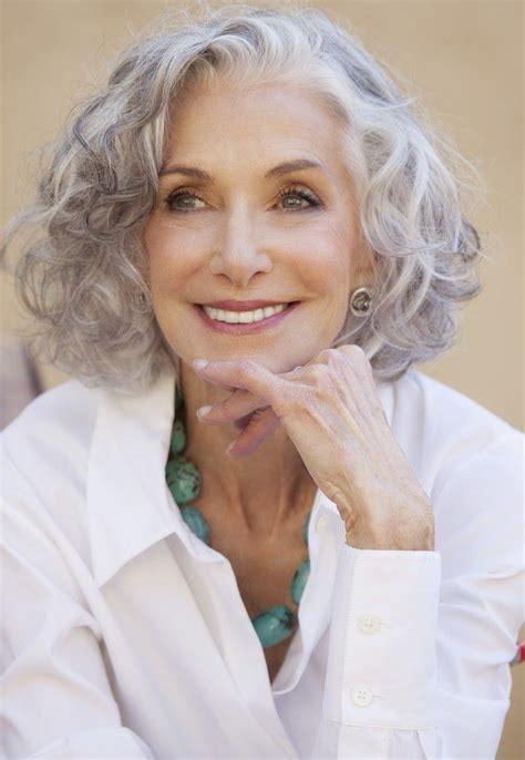 perm hairstyles white women over 50 deze 12 korte kapsels speciaal bedoeld voor oudere dames