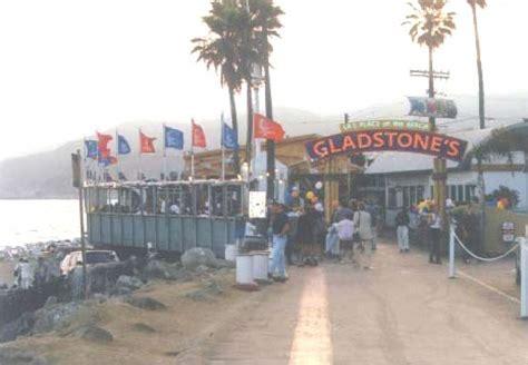 gladstone restaurant in malibu shedwerk s installs sound systems by the seashore technomad