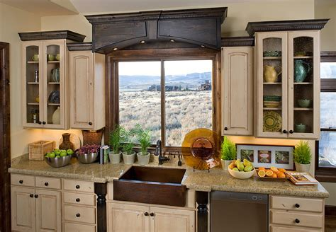 Kitchen & Dining. Vintage Accent In Kitchen With Farmhouse