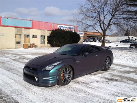 nissan gtr wrapped gold chameleon gt r wrapped by restyle it autoevolution