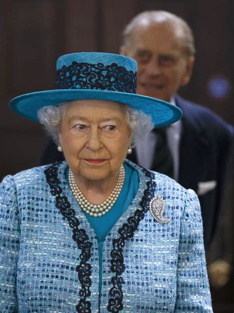 Queen Elizabeth Ii House by Queen Elizabeth Ii Reopen Canada House O0mze4yaq 7x Jpg