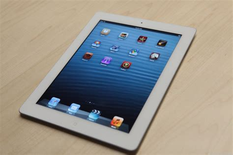 samsung tablet or which is better samsung galaxy tab 3 vs apple 4 which tablet is