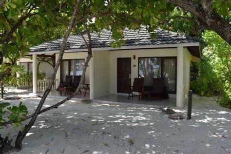 paradise resort maldives superior bungalow superior bungalow outside view bild paradise