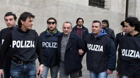squadra mobile napoli camorra inchiesta sulla quot paranza dei bambini quot arrestato