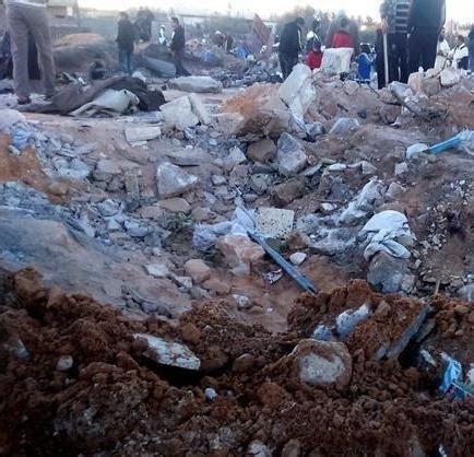 imagenes niños muertos dos ni 241 os muertos al caer tres misiles en una