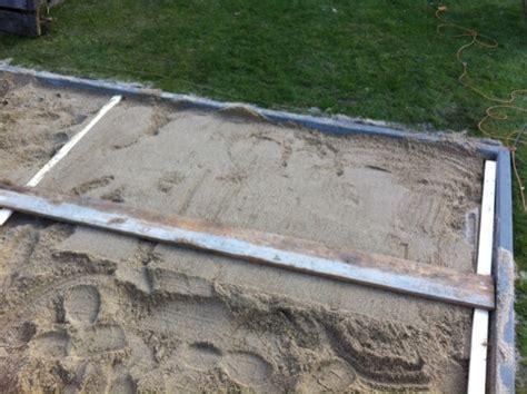 terrasse untergrund terrasse selber bauen fundament erstellen hausbau