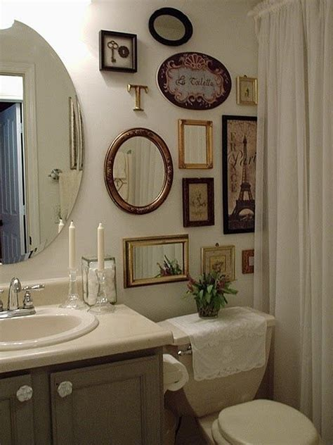 apliques para pendurar quadros quadros para banheiro e lavabo como decorar e 30 fotos