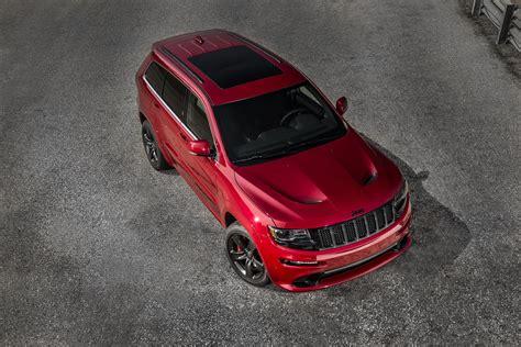 jeep srt 2015 red vapor 2015 jeep grand cherokee srt is no hellcat autoevolution