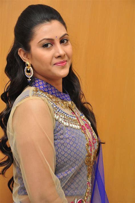 telugu actress tv telugu tv actress priyanka photo shoot in blue dress