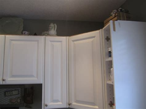 crown molding on top of kitchen cabinets crown molding on top of kitchen cabinets homecrack
