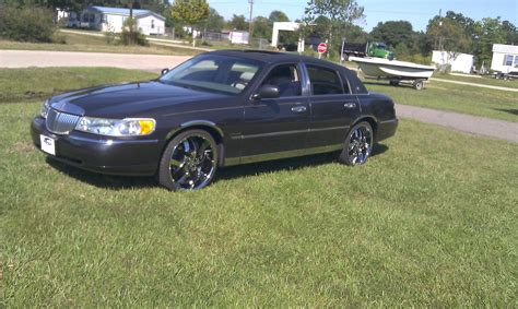 how do i learn about cars 2002 lincoln blackwood auto manual boylap 2002 lincoln town carsignature sedan 4d specs photos modification info at cardomain