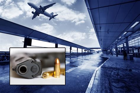 Sida Badge Background Check If Passengers To Go Through Tight Security Why Don T Airport Employees
