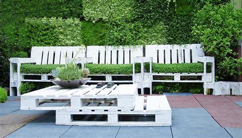 idee per arredare il giardino fai da te arredamento di riciclo per il giardino ristruttura con made