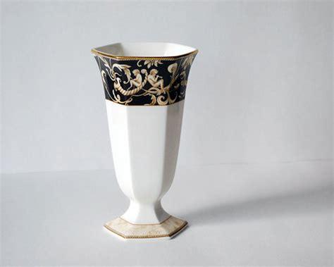 vintage wedgwood cornucopia vase bone china gold trim