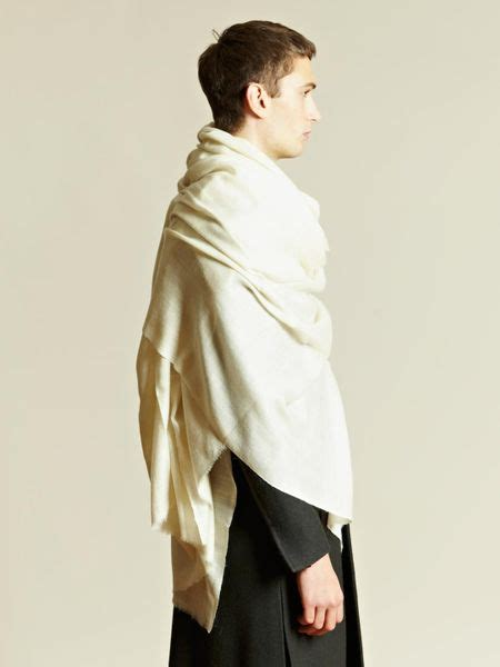 thamanyah thamanyah mens oversized scarf in white