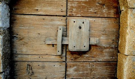 Who Invented The Door Lock by 5 Inventions Of The Bronze Age That Are Still In Use A