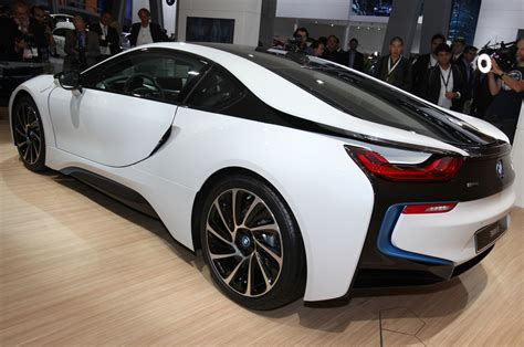 bmw 18 hybrid update 2014 bmw i8 priced at 136 625 production images