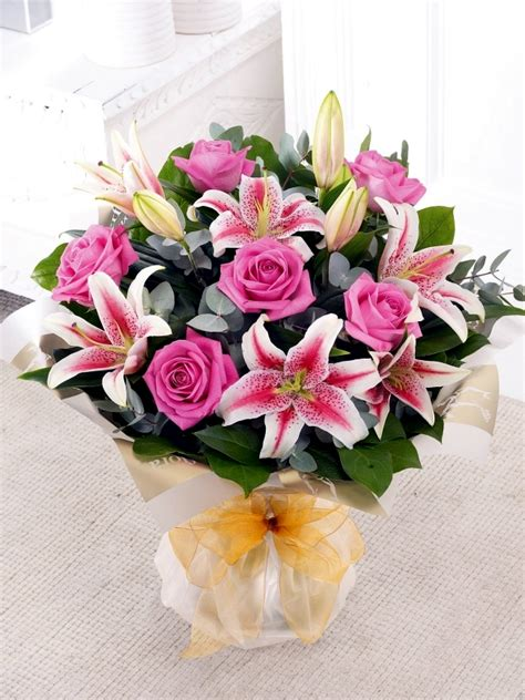 sending flowers for valentines day send flowers for s day 20 beautiful floral