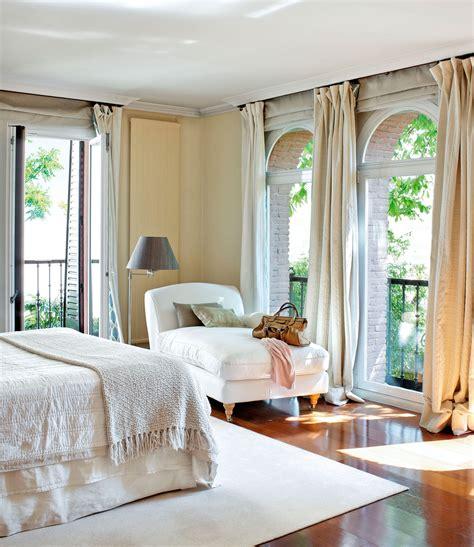 decorar ventana patio consejos para elegir las cortinas