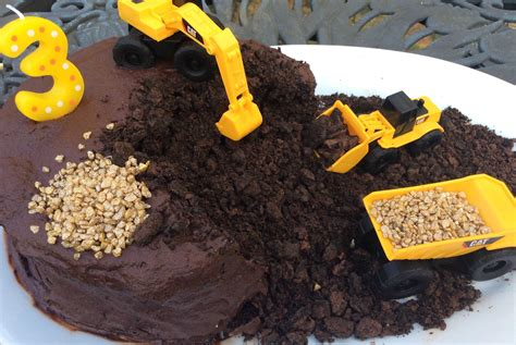 how to a year how to make a chocolate construction cake the easiest and most effective cake a