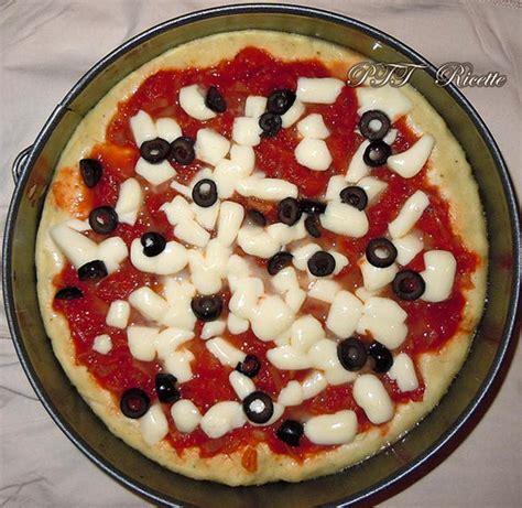 ricetta della pizza fatta in casa pizza fatta in casa ricetta preparazione pizza ptt ricette