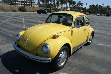 old volkswagen yellow vw bugs saturn yellow 1972 volkswagen beetle paint