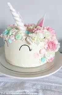 10 inch unicorn cake baker tries to bake a unicorn cake but horn ends up