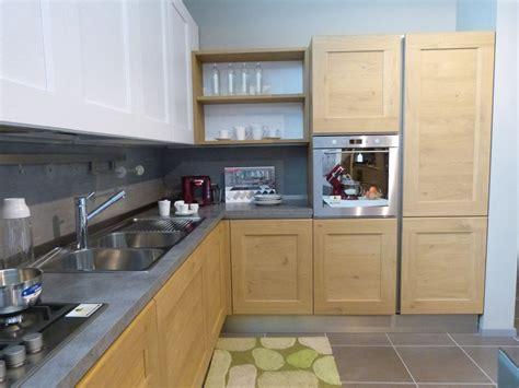 cucine in rovere naturale offerta cucina dialogo di veneta cucina in legno massello