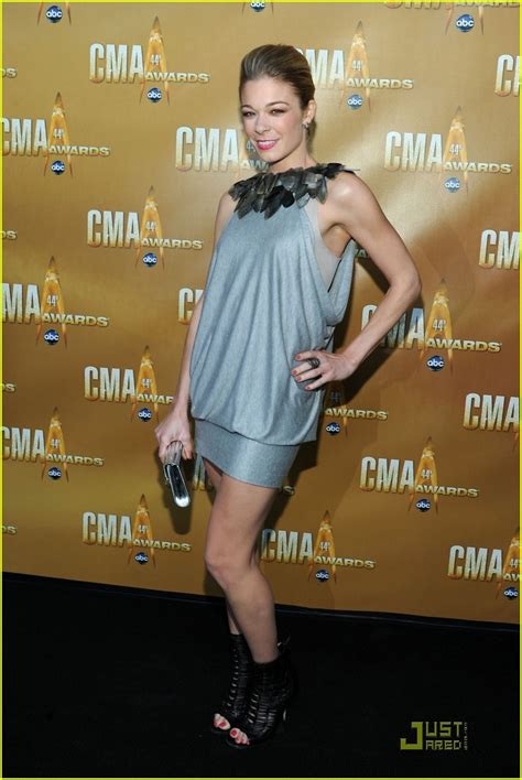 Cma Awards Leann Rimes by Leann Rimes Cma Awards 2010 Presenter Photo 2494558