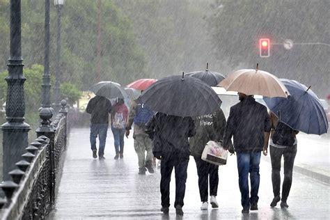 imagenes mamonas de lluvia espa 241 a bajo el paraguas las mejores fotos de la lluvia