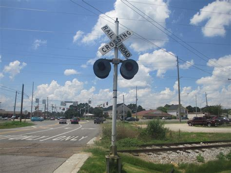 vintage railroad crossing gate signal shed building 6 x 8 railroad crossing signal by 2001 acsiren on deviantart