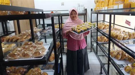 kristiyani pemilik ratna bakery bogasari