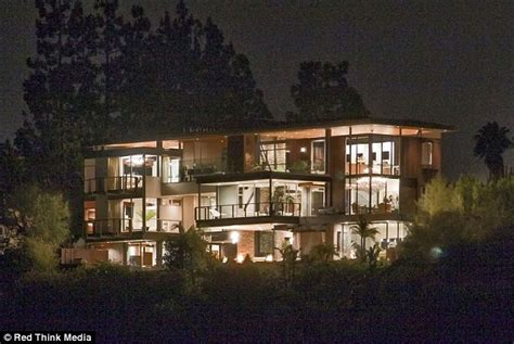 Justin Bieber S House by Justin Bieber S New House In The Los Angeles