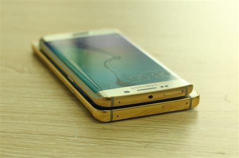 gold wallpaper note 5 who wants a gold plated galaxy note 5