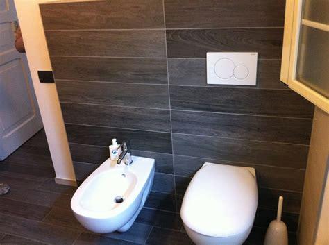 bagno effetto legno effetto legno un bagno moderno idea casa