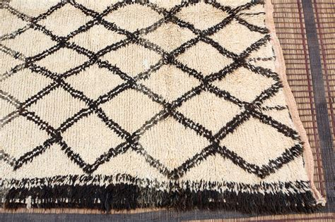 white moroccan rug vintage moroccan beni ouarain of white rug for sale at 1stdibs