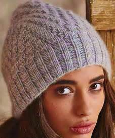 вязанные ажурные шапочки спицами